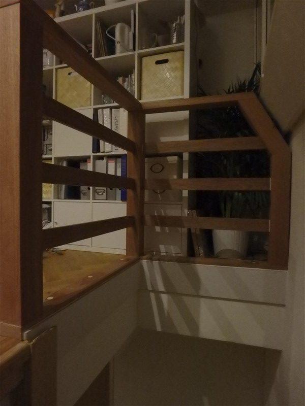 Meranti kozijn en traphek