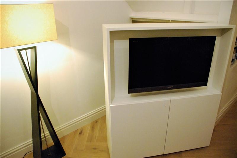 TV kast als deur