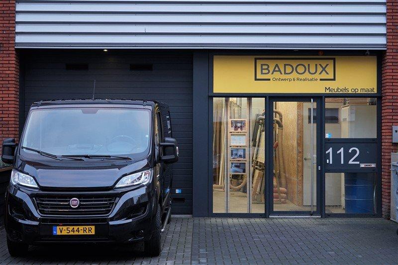 De werkplaats en showroom van Badoux Ontwerp