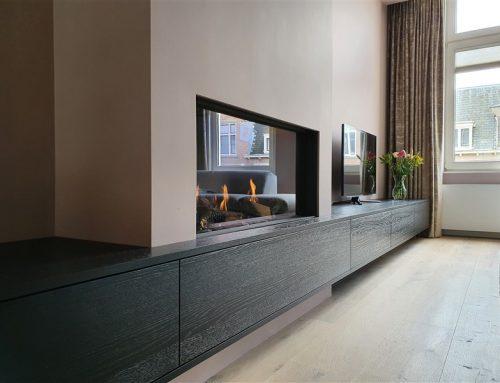 Zwart eiken meubel